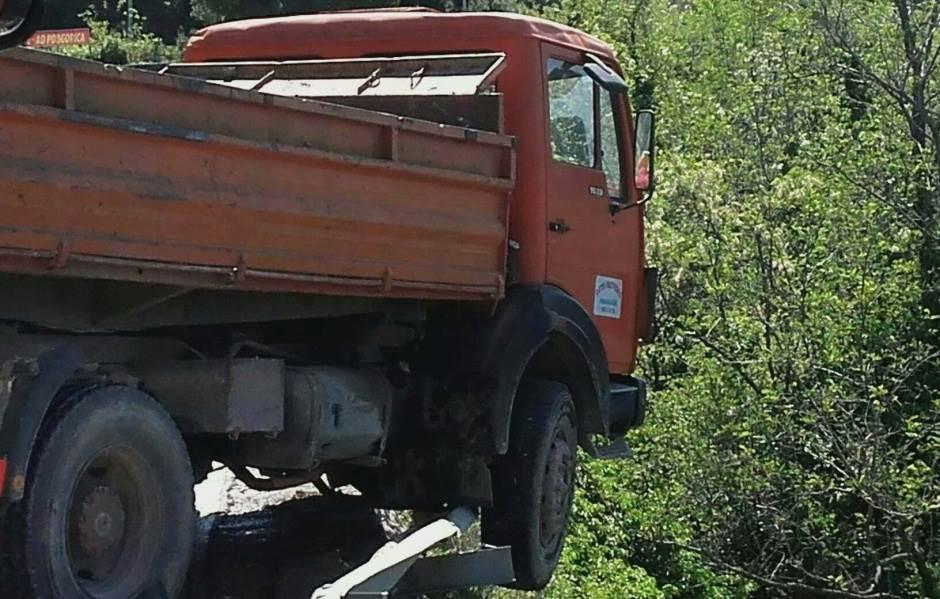 kamion izletio