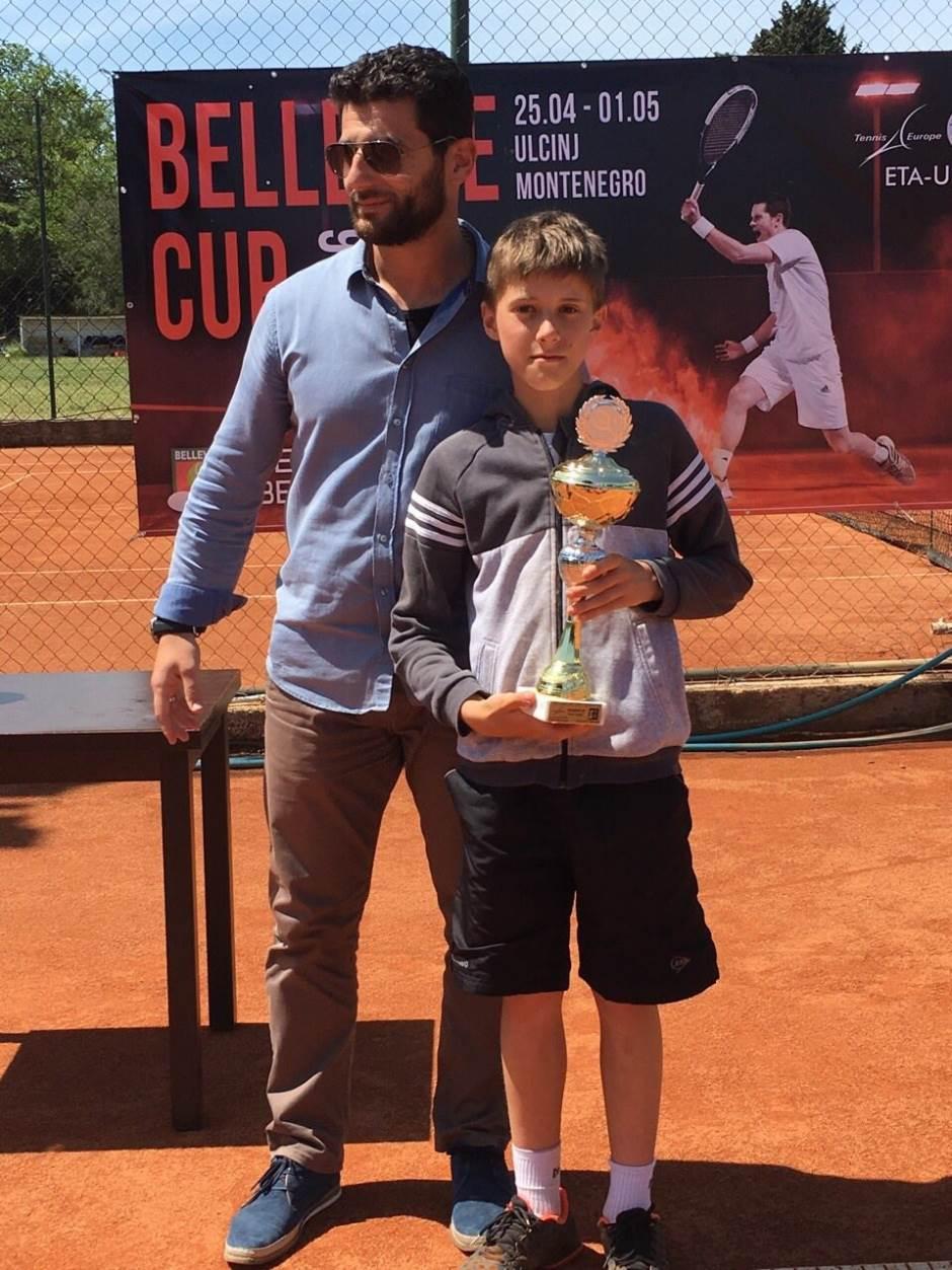 Branko sanja Vimbldonski trofej
