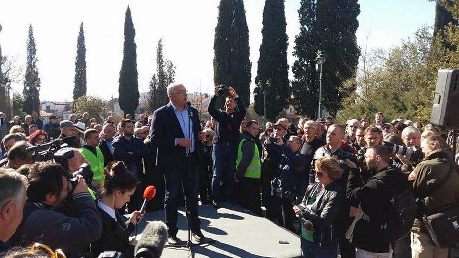 Mandić Andrija protest DF