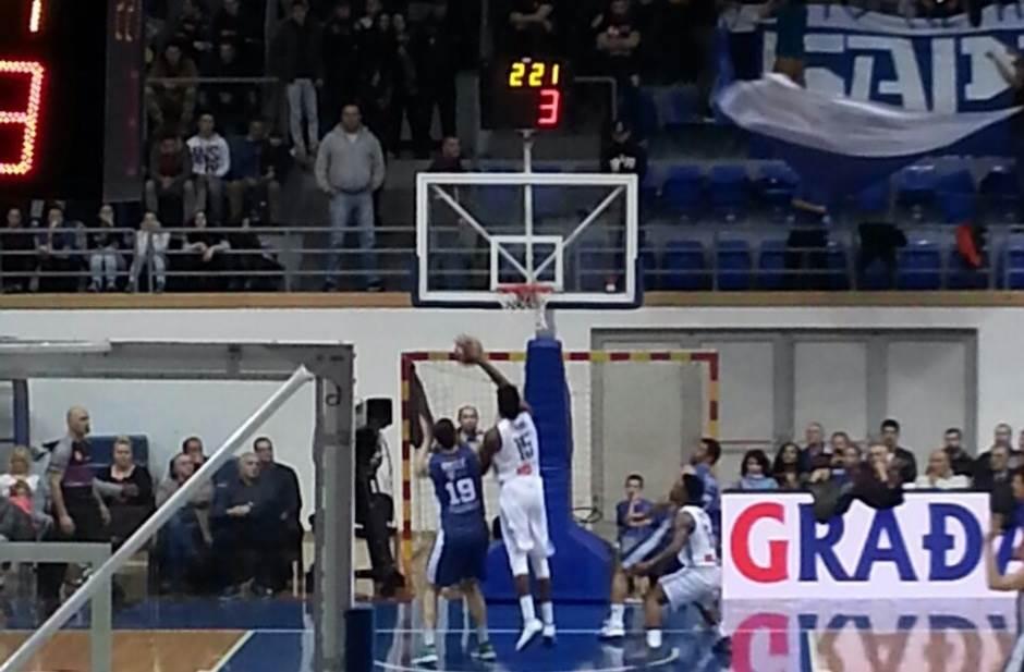 Voler promašio trojku za trofej! (FOTO, VIDEO)