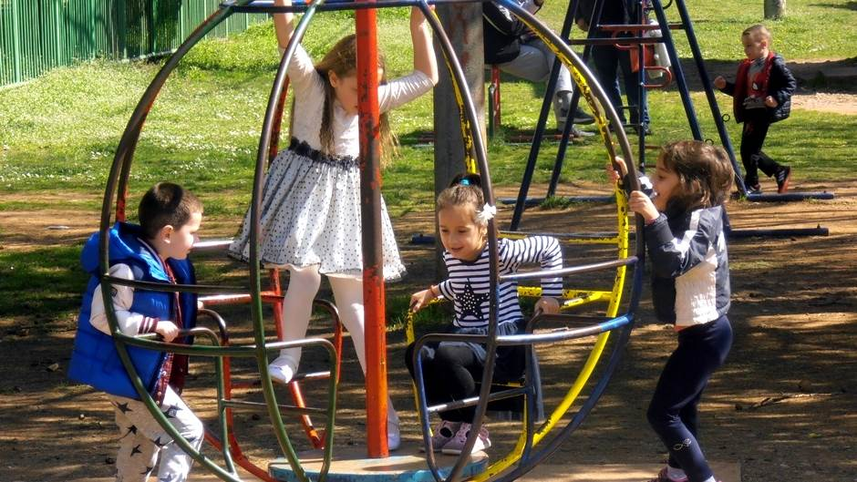 djeca igralište vrtić igra park