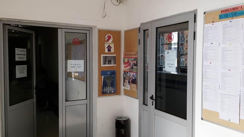 Kako do radne knjižice u Crnoj Gori (FOTO)