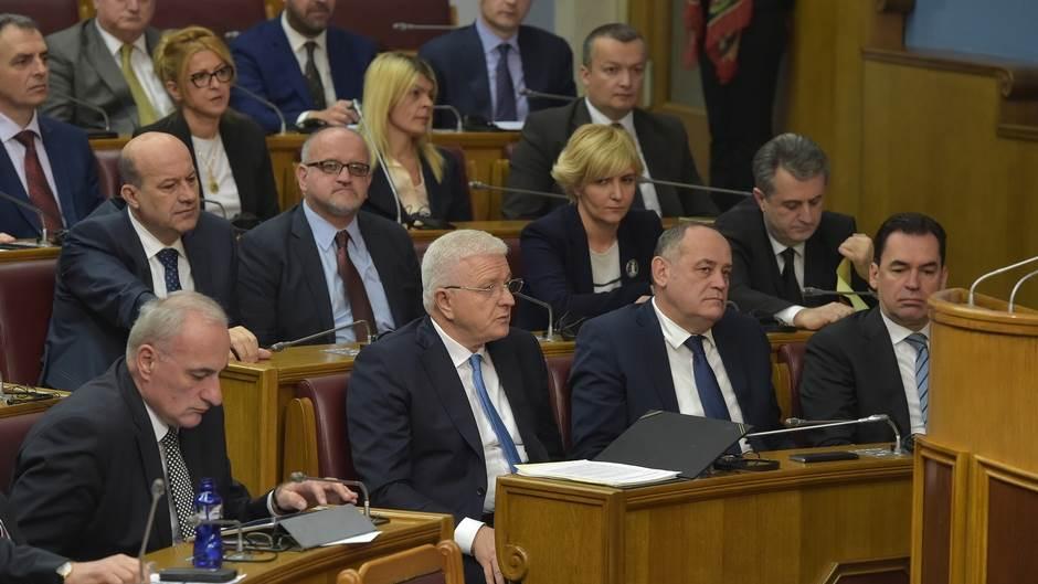 Marković Simović Darmanović Pažin Milošević skupština premijerski sat