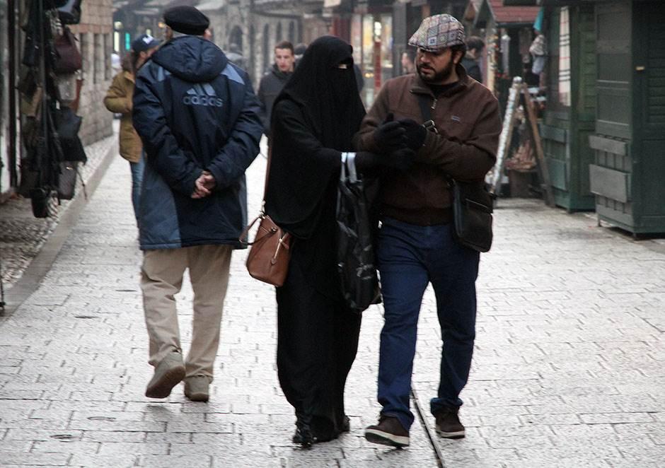 sarajevo, Bosna, BIH, muslimani, zabrađena, muslimanka, baščaršija