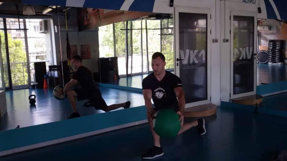 Funkcionalni trening sa rekvizitima (FOTO, VIDEO)
