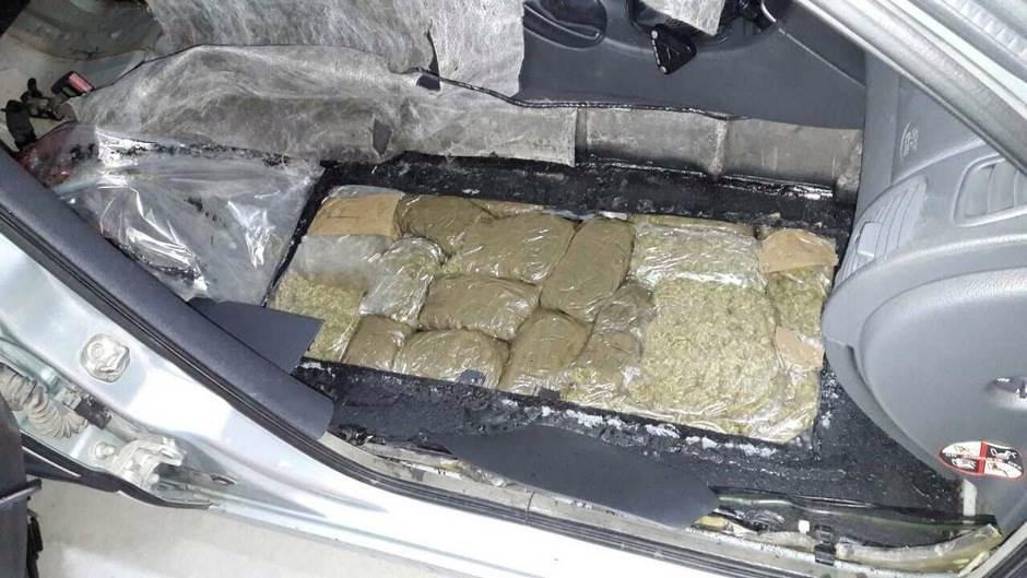 Zaplijenjeni heroin i skank, uhapšene četiri osobe
