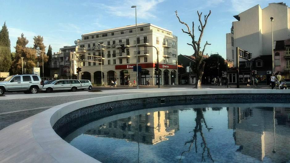 podgorica fontana banka grad vrijeme šetnja