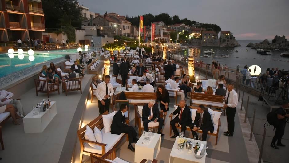 Najbolji hotel u Crnoj Gori je...