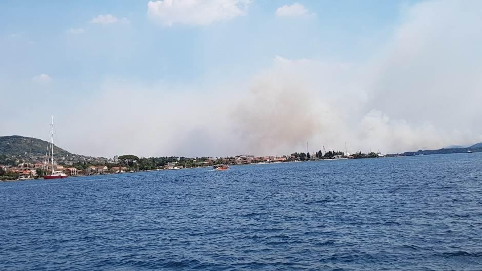 Crna Gora u plamenu, čeka se međunarodna pomoć