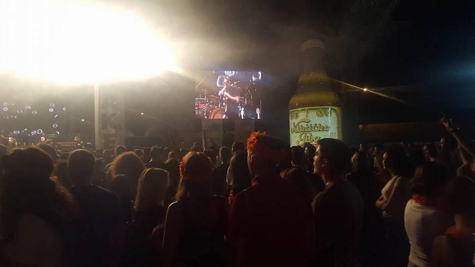 Žestoka svirka i rijeke ljudi na Lake fest-u!