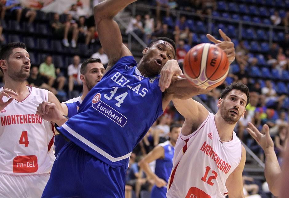 Crnogorski košarkaši startovali porazom