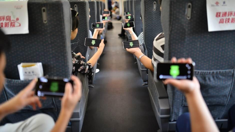 Pad mobilne telefonije širom sveta