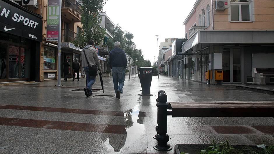 Podgorica šetnja kiša kisa centar