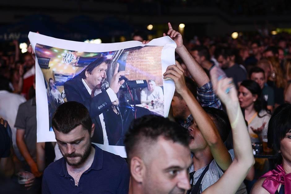 Preminuo Sinan Sakić