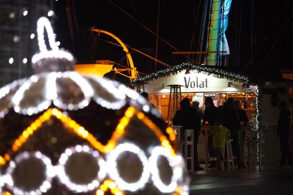U Tivtu počela novogodišnja žurka! (FOTO)