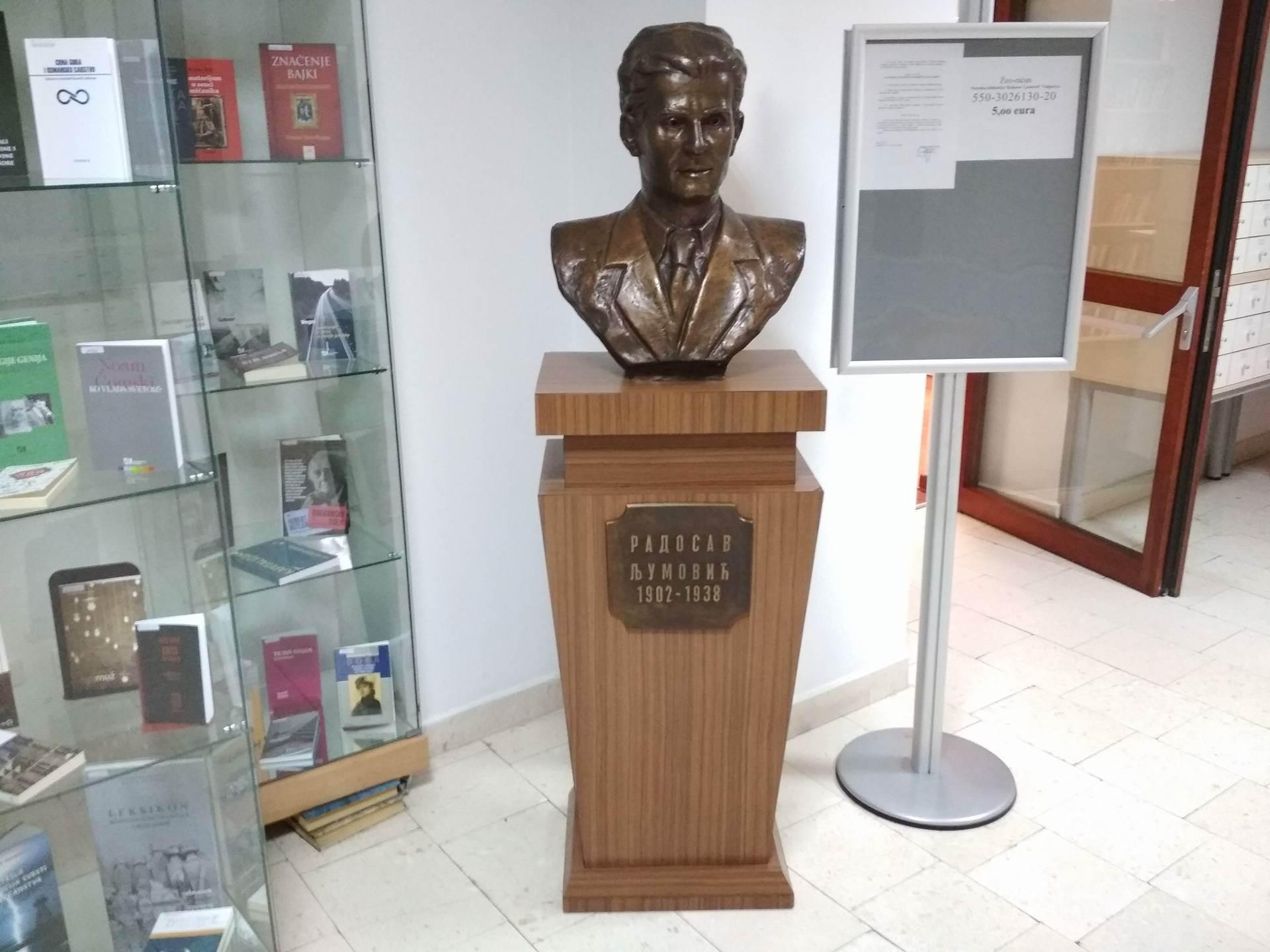 Ko još zaslužuje spomenik u Podgorici? (FOTO)