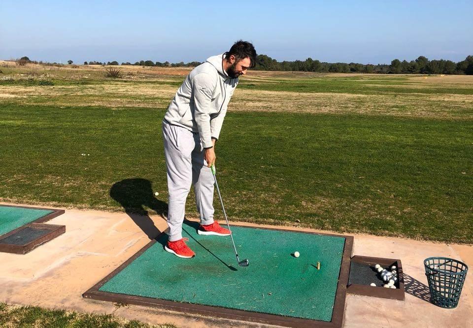 Mirko golfer