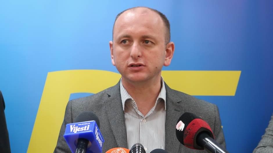 DF, Milan Knežević