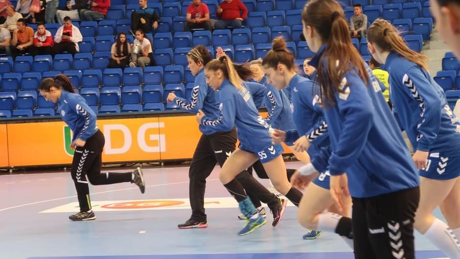 Reprezentativka Slovenije u plavom dresu