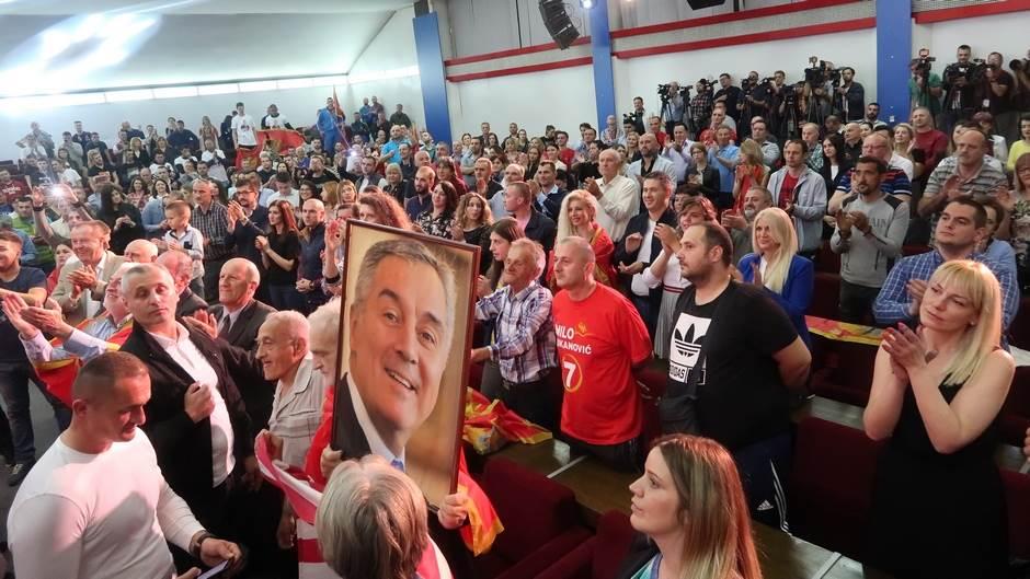 Proslavlja se Đukanovićeva pobjeda (FOTO, VIDEO)