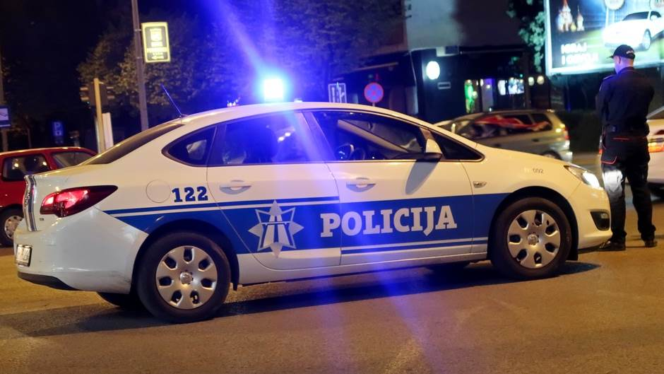 Pobjegao od policije i ostavio 42 kg skanka u autu