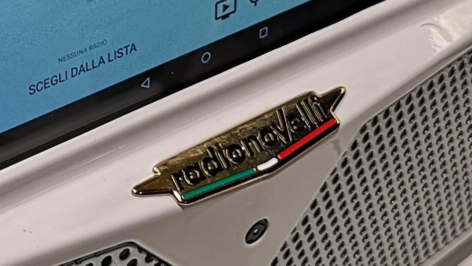 Vratio se radio: Ima 4G i Wi-Fi, košta k'o Grčka!