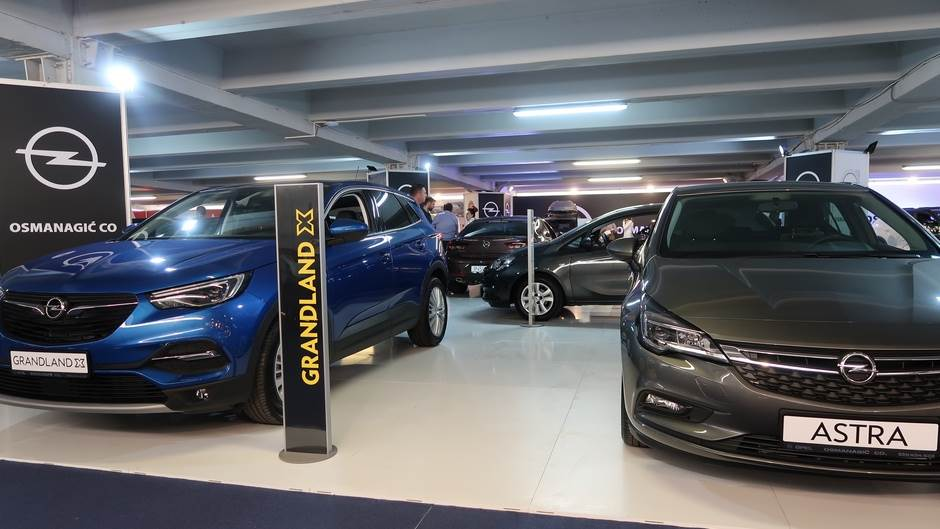 Otvoren Sajam automobila u Delti (FOTO)