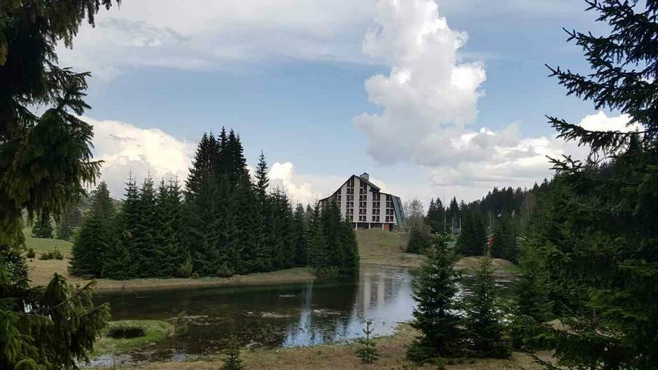 Žabljak, Hotel Jezera