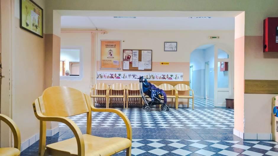 porodilište, porođaj, bebe, deca, pedijatrija, pedijatar, kolica, dečija kolica, dečja kolica, dečija bolnica, dečja bolnica