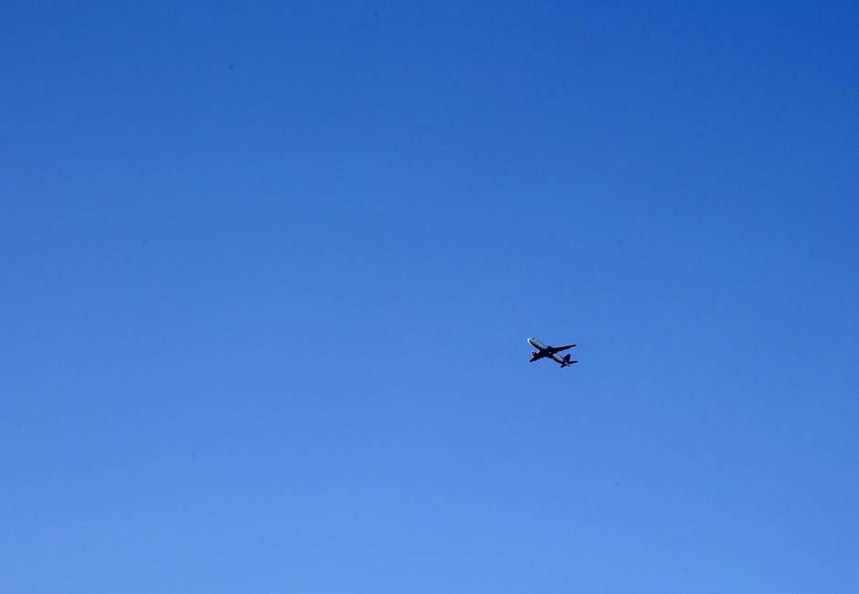 avion avioni let letenje aerodrom er srbija
