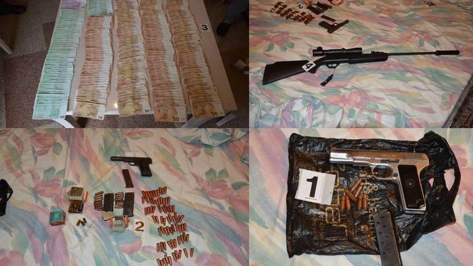 Oduzeto 176.000 eura, dolari, oružje i municija