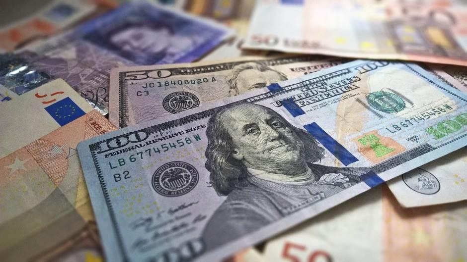 novac, dolar, dolari, evro, evri, funta, funte