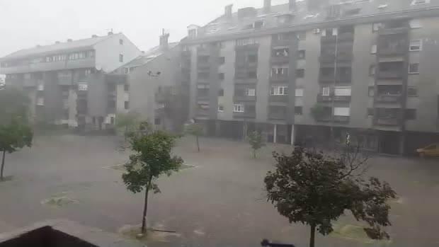 Grad veličine lješnika u Nikšiću! (FOTO, VIDEO)