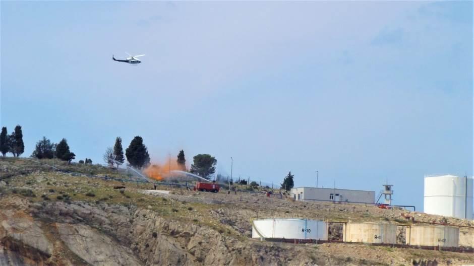 Pilot spašen, požari u luci ugašeni! (FOTO, VIDEO)