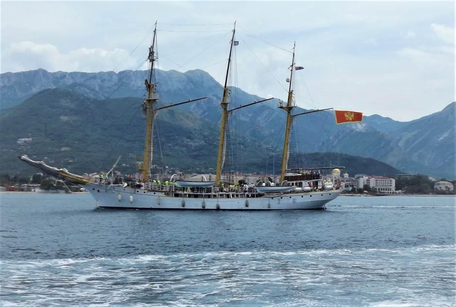 Posjeta školskog broda Jadran Istanbulu