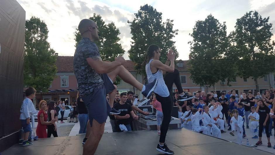 """Izađi i treniraj"" događaj okupio Nikšićane VIDEO"