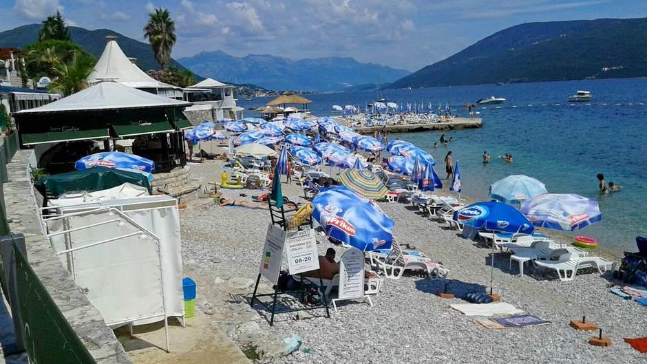 """Sunčanje u """"prvom redu"""" minimalno 10 eura! (FOTO)"""