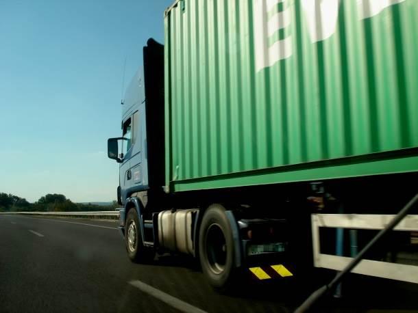 kamion kamioni vozači autoput šleper prevoznik transport teretno vozilo hladnjača