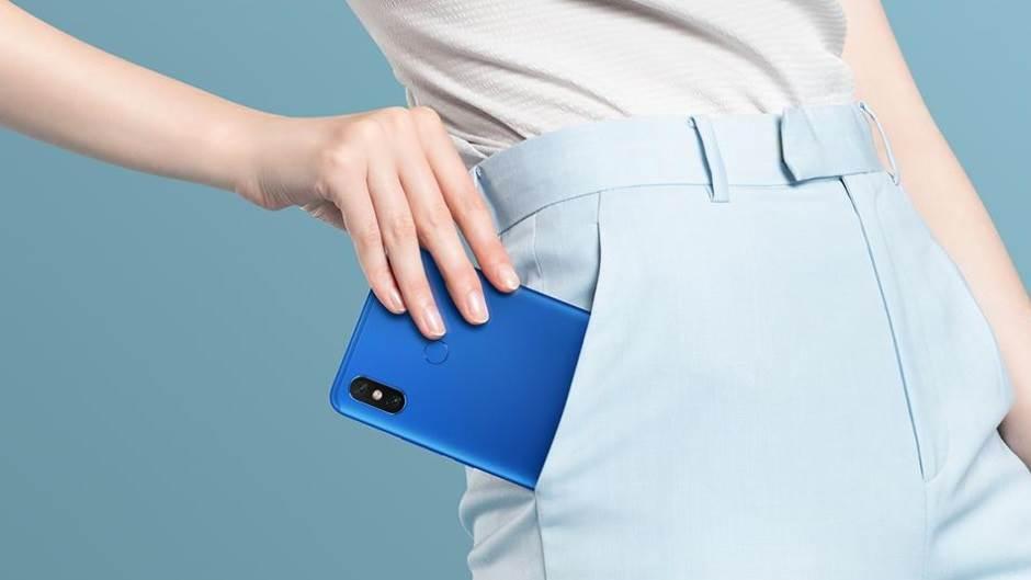 Xiaomi Mi Max 3: OGROMNA baterija i ekran