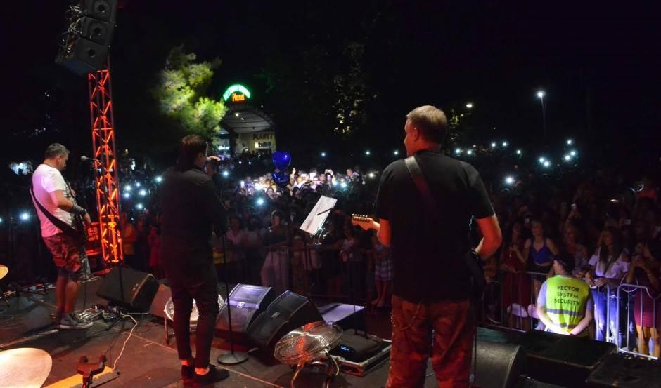 Besana noć sa Acom Pejovićem u Baru! (FOTO, VIDEO)