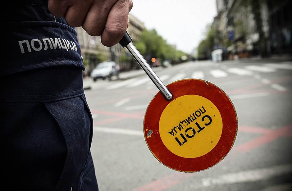 policija, stop, nesreća, saobraćaj, saobraćajna nesreća, zločin, ubistvo, milicija, saobraćajac, policajac, policajci, prekršaj, ulica,