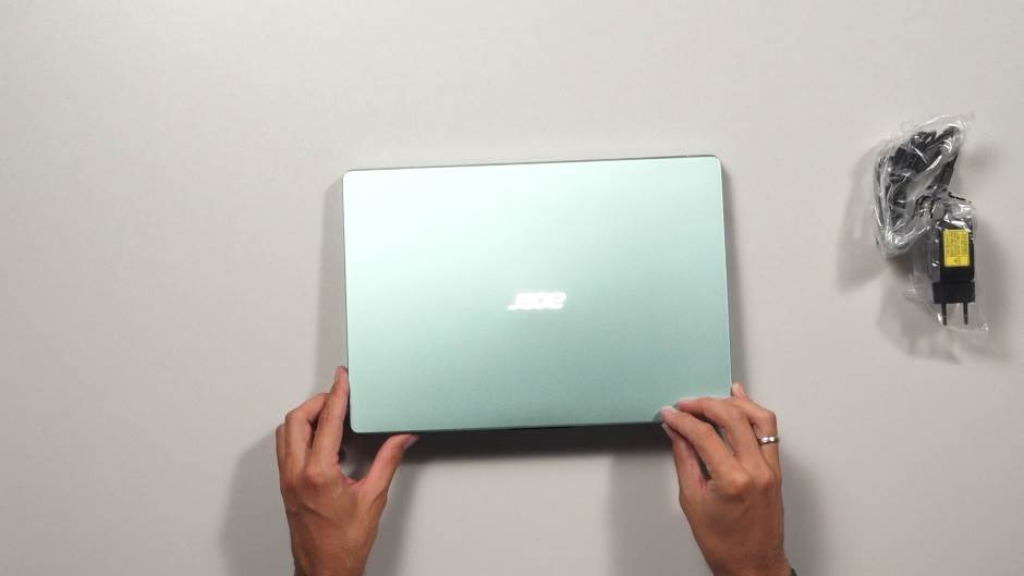 Raspakivanje i test: ACER Laptop Swift 1 (VIDEO)