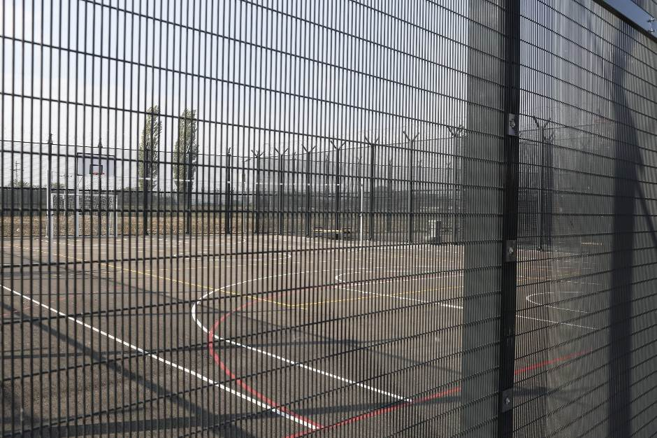 Turci teraju Ardu Turana u zatvor