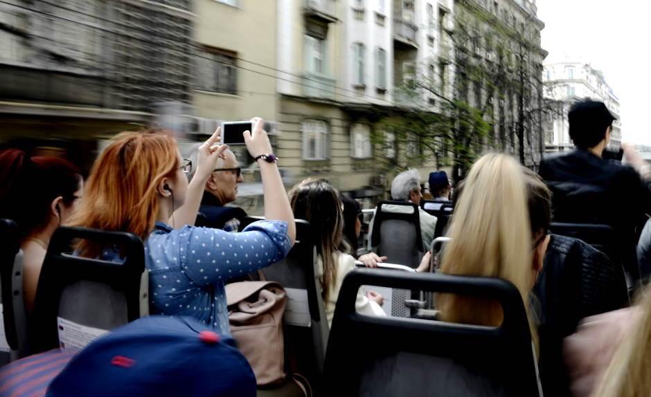 selfi, beograd iz autobusa, mobilni