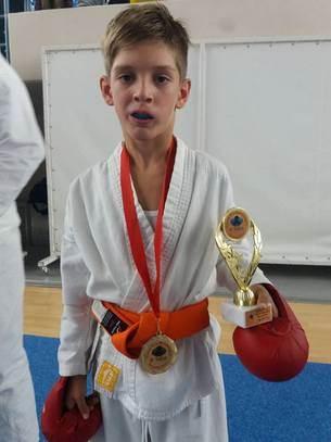 "Karatistima ""Iskre"" 21 medalja u Herceg Novom FOTO"