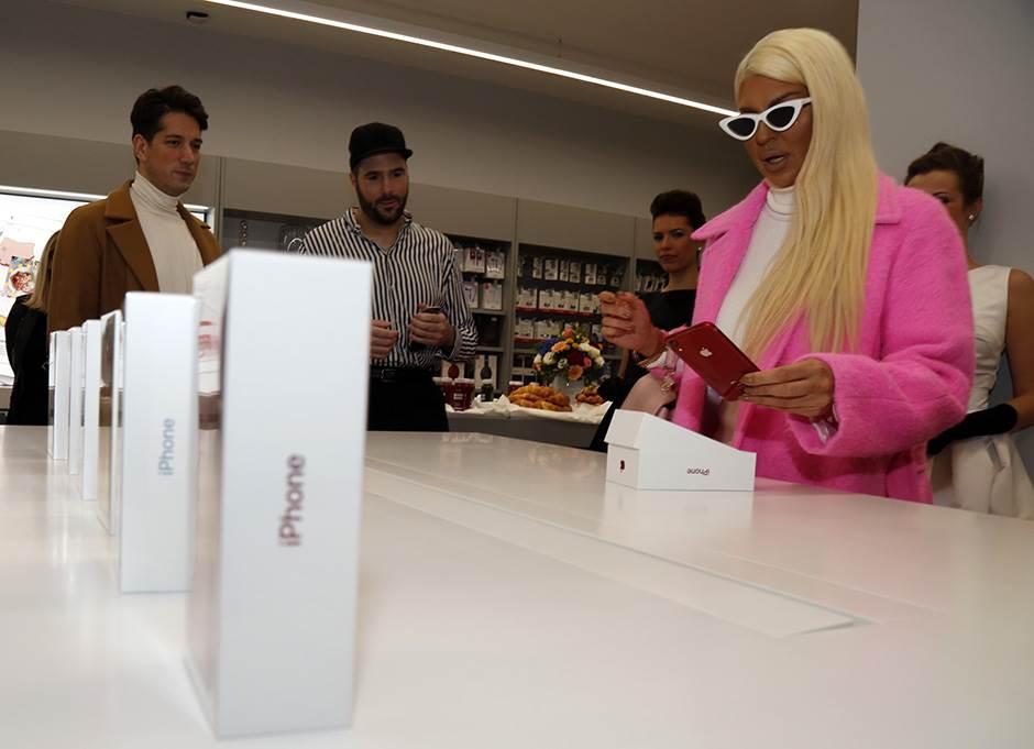 Apple oživljava stari iPhone telefon