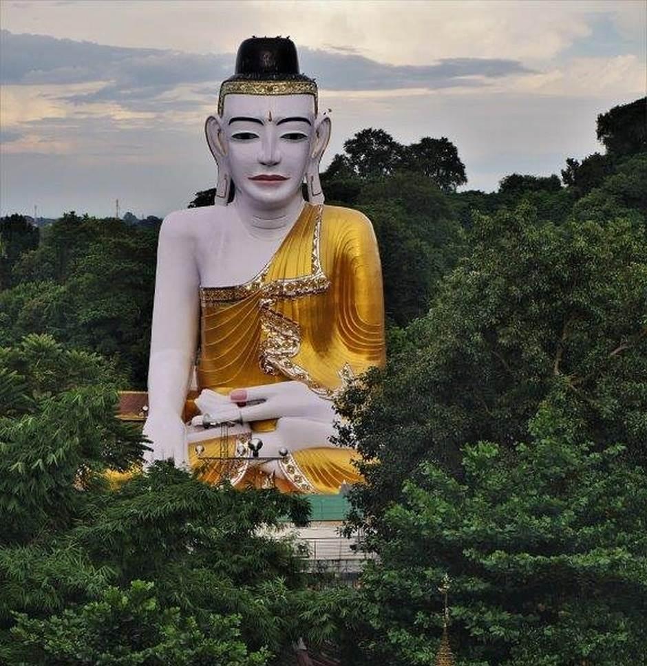 Kolašinac na putovanju pored zlatnih hramova