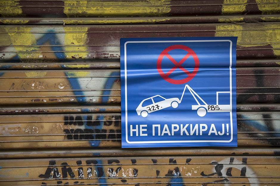 pokrivalica, pokrivalice, parking, pauk, nosi pauk, garaža, zabranjeno parkiranje, zabranjen parking, pauk, ne parkiraj,