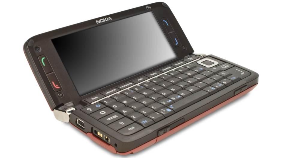 Nekada Nokia Communicator, a danas… (FOTO)