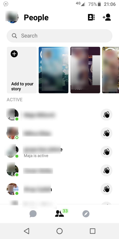 "Facebook ""bag"" starim porukama ""progoni"" korisnike"